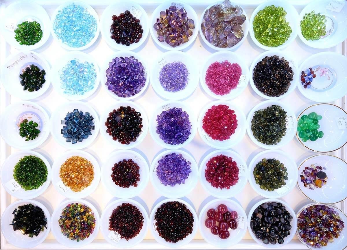 россыпь драгоценных камней (5) Ювелирный магазин на Пхукете.