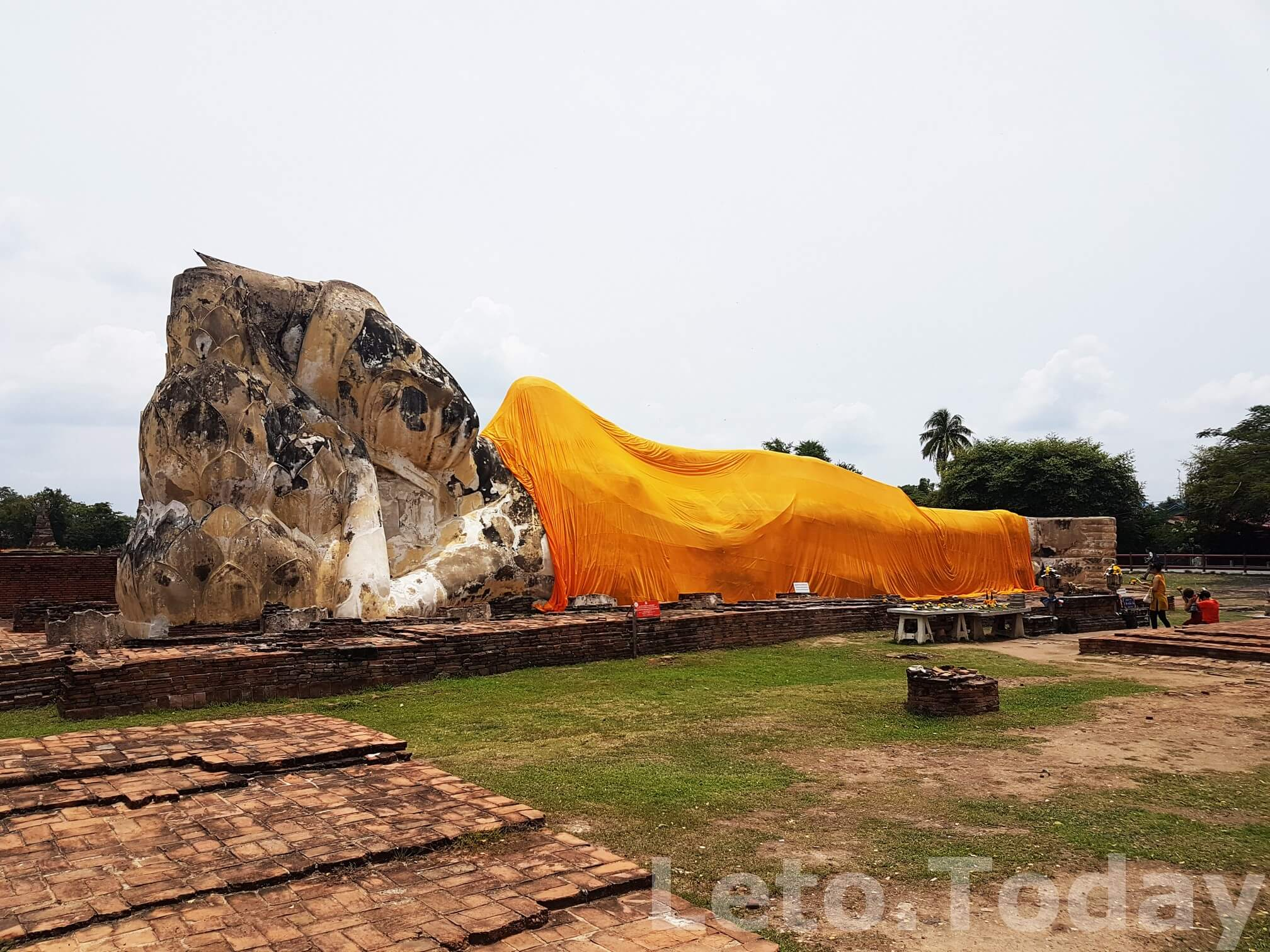 Город Аюттхая Wat Lokayasutharam