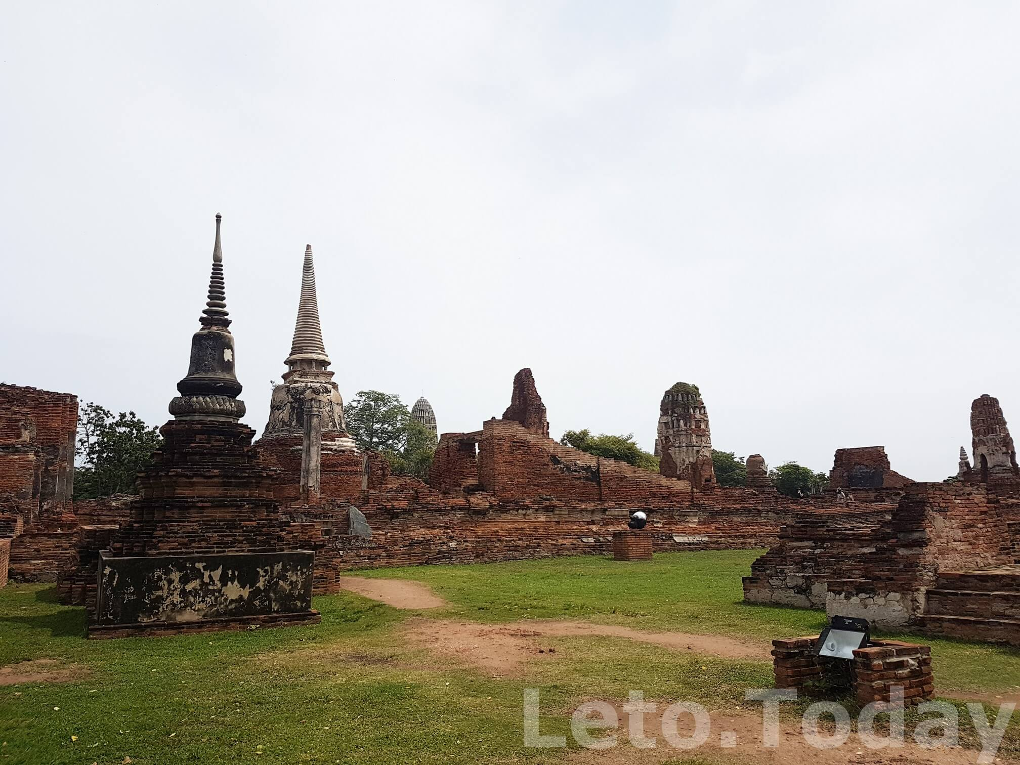 hram-wat-phra-mahathat-ayutthaya-1