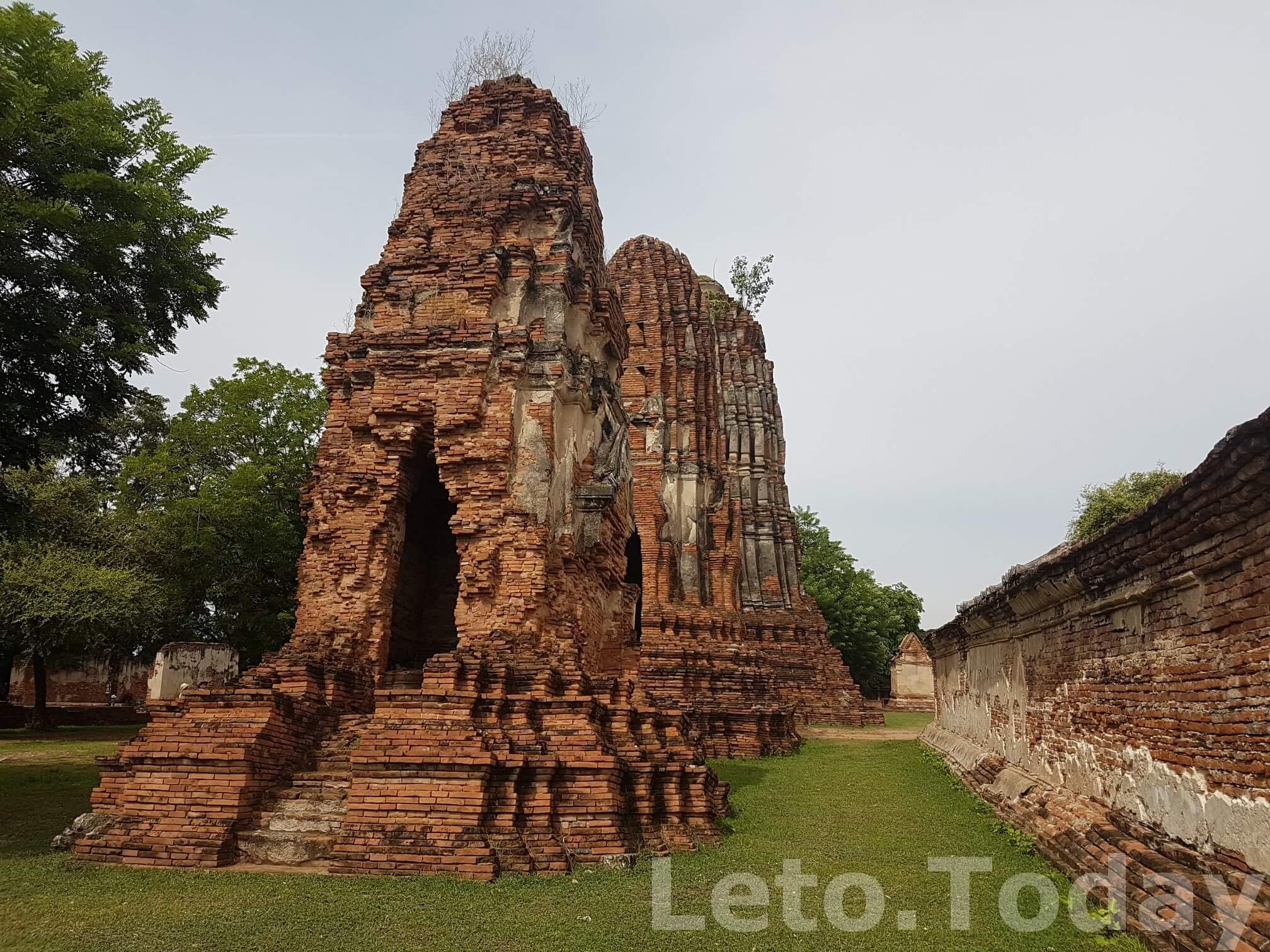 hram-wat-phra-mahathat-ayutthaya-2