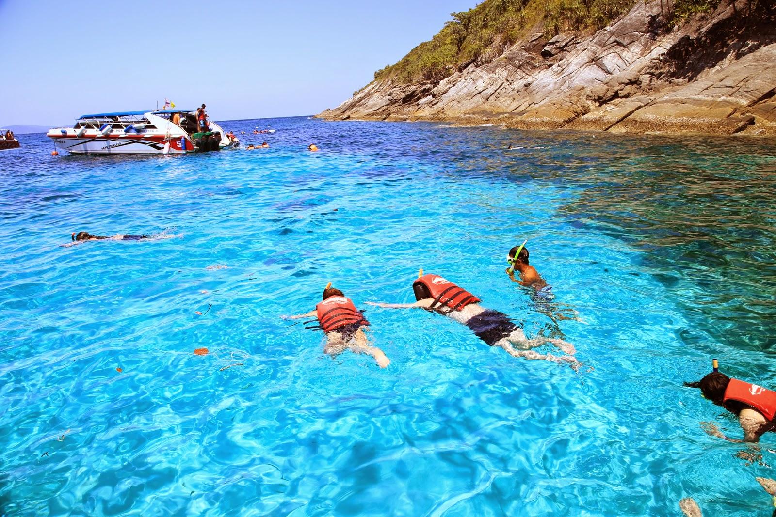 snorkling-snorkeling-koralovyj-ostrov