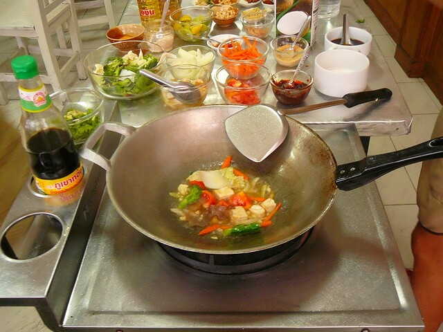 vok-tajskaya-skovoroda тайская кухня