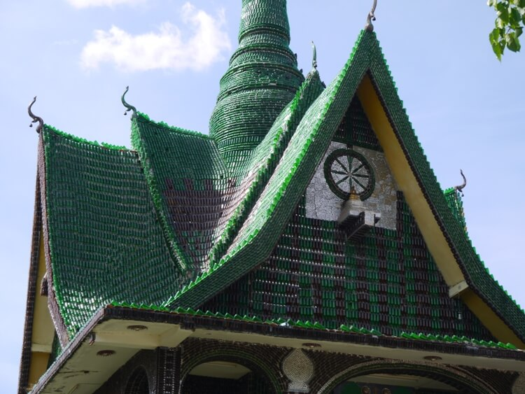 hram-milliona-butylok-tailand-1