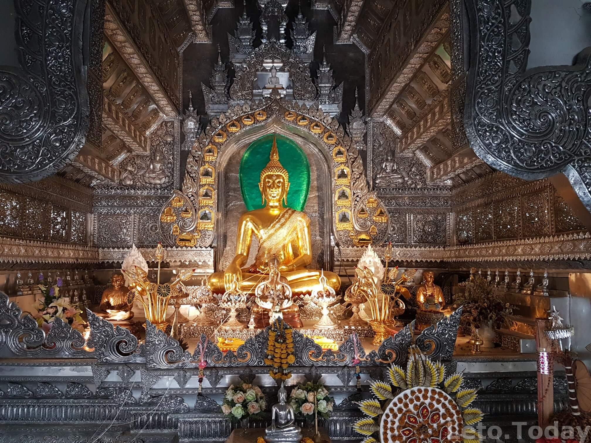 серебряный храм в чиангмае фото